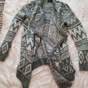 Abercrombie and Fitch pattern blanket cardigan
